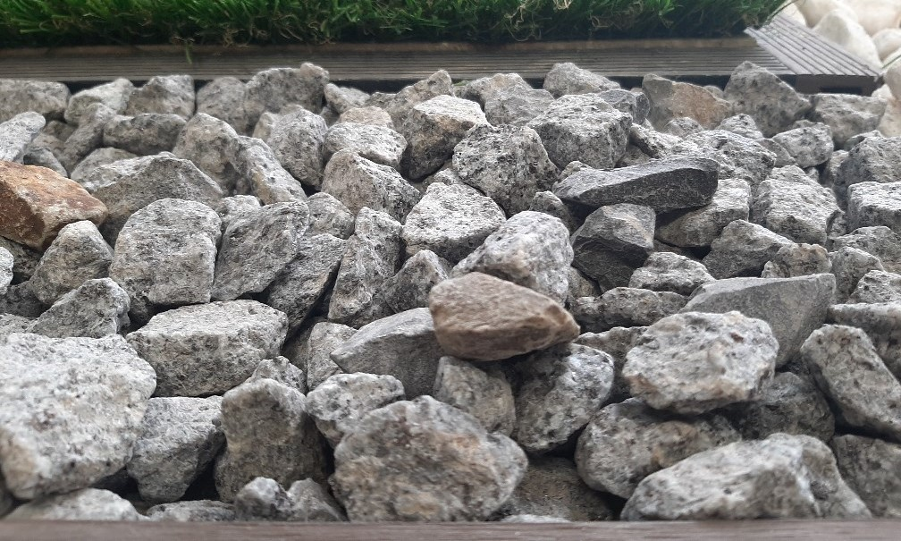 Silver Stone Pebbles 20mm